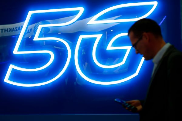 AT&T rolls out (limited) 5G in (parts of) New York City