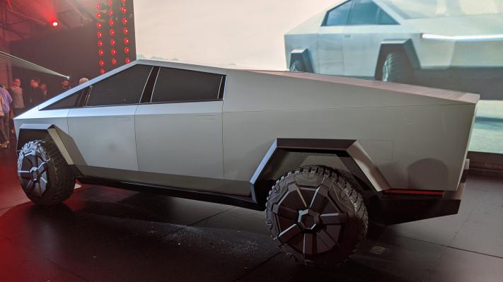 Tesla Cybertruck reservations hit 146,000