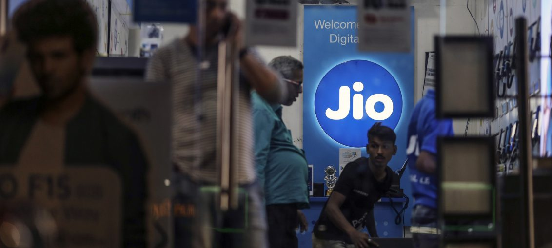 Facebook invests $5.7B in India's Reliance Jio