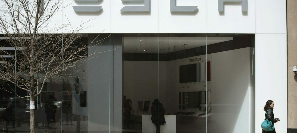 Tesla employee rejected a $1 million to install malware