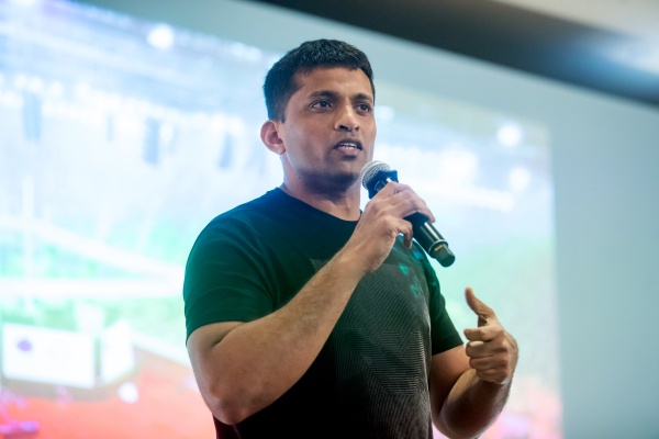Byju's acquires Indian tutor Aakash for nearly $1 billion