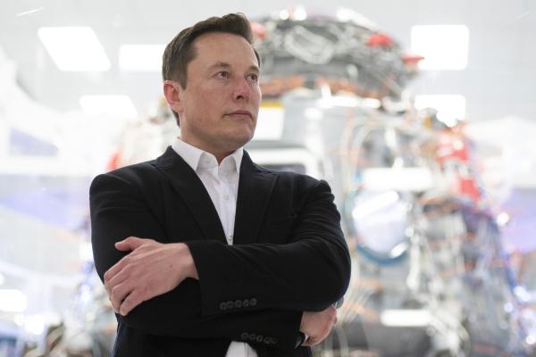 Elon Musk calls Apple's App Store fees 'a de facto global tax on the Internet'