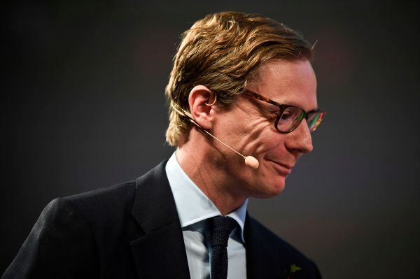 FTC also sues Cambridge Analytica, settles with former CEO and app developer