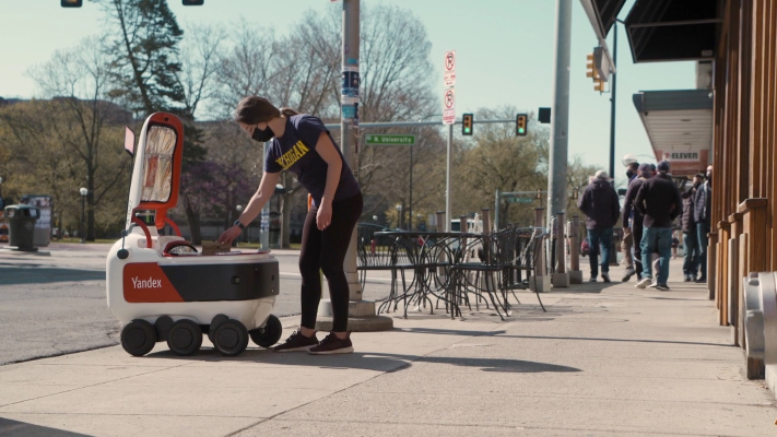 Yandex Self-Driving Group partners with GrubHub to bring robotic delivery to college campuses