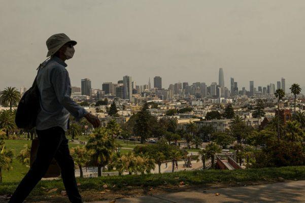Extra Crunch roundup: Corp dev handbook, Chicago startups, Brazil's e-commerce landscape